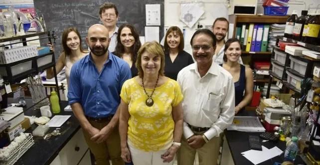 Mahendra Ray y Susana Zacchino y equipo