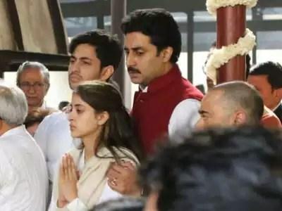 Ritu Nanda: Amitabh's funeral season Nanda's funeral, Abhishek was seen comforting his niece – at ritu nanda funeral actor abhishek bachchan consoles niece navya naveli nanda