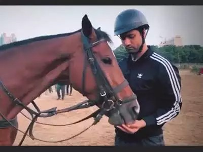 vicky kaushal horse-riding lessons: Vicky Kaushal learning horse riding for 'Takht', shared video – vicky kaushal shared glimpses of himself from his horse riding lessons for film takht