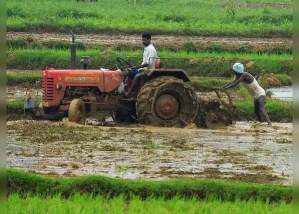 कुछ किसान अभी भी परेशान