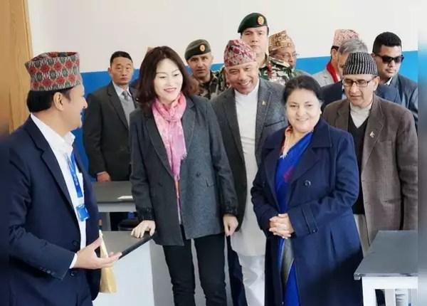 चीनी विदेश मंत्रालय में भी किया है काम