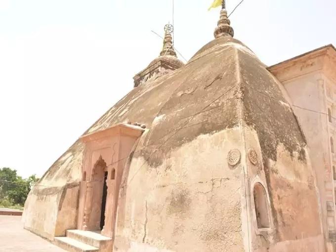 Kanpur temple news: कानपुर का अनोखा जगन्नाथ मंदिर, जहां चमत्कारी पत्थर से टपकती पानी की बूंदें देती हैं मॉनसून का संकेत