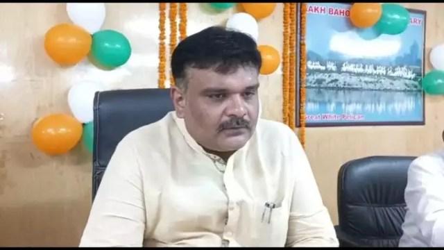 BJP MP called Akhilesh Yadav a dacoit, said - we talk about killing democracy