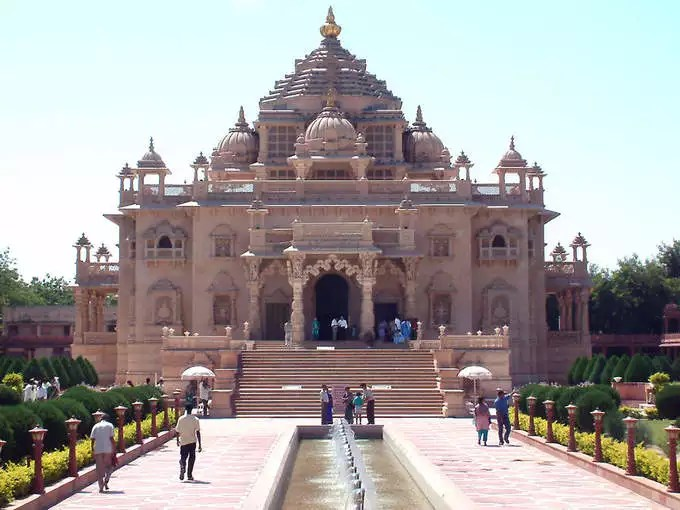 Beautiful and popular temples in Ahmedabad