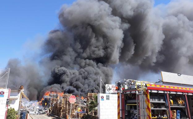 En España, lo que se debería reciclar, se quema.