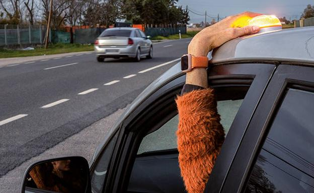 The new luminous device to signal an accident or breakdown on the road.