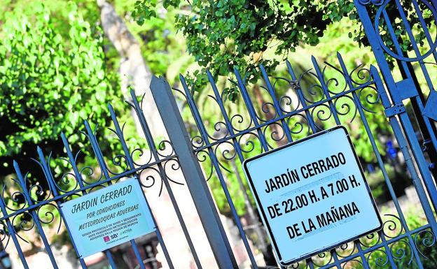 Access to the Floridablanca garden, closed this Saturday afternoon.