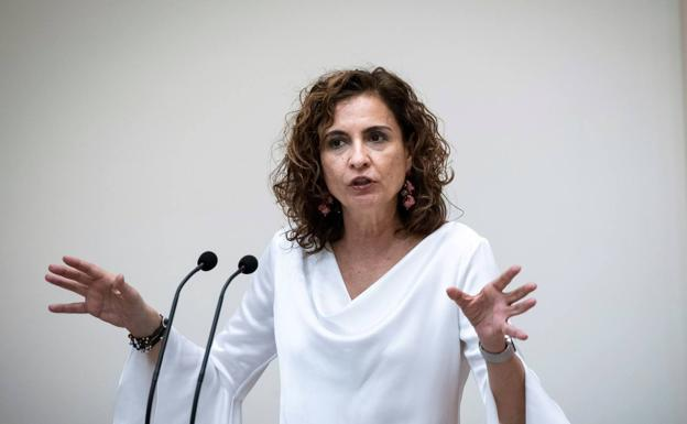 The Minister of Finance and Public Function, María Jesús Montero.