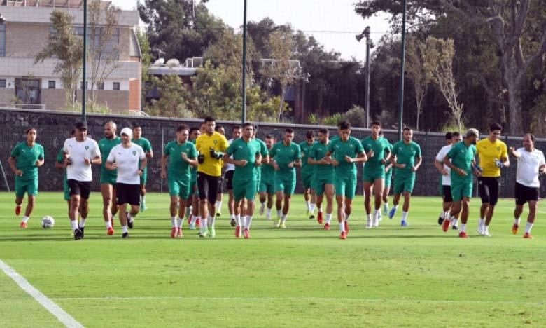 Après s'être entraînés lundi, les Lions de l'Atlas ont quitté mardi le complexe Mohammed VI  de football pour rejoindre leurs clubs.
