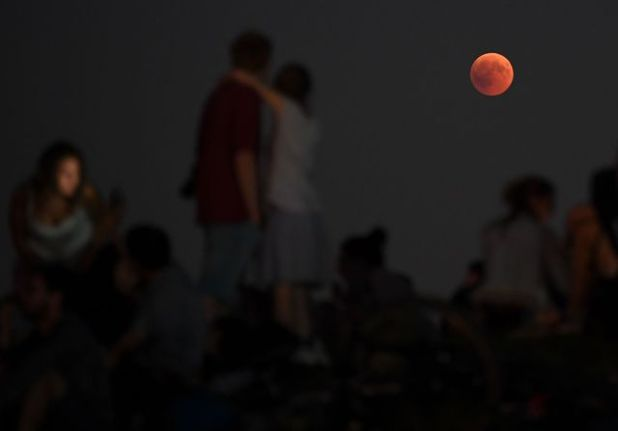 Throughout most of the world we could observe the moon tinged with red, as in Berlin, July 27, 2018