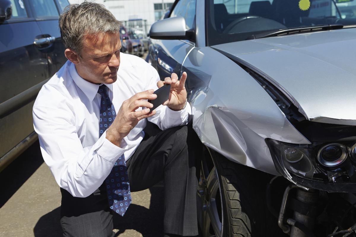 Giám định tổn thất xe xe hơi bị tai nạn đáng tiếc