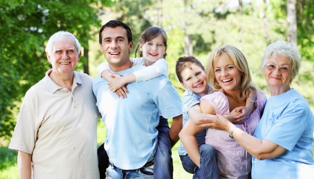 Có bảo hiểm nhân thọ cho những người dân cao tuổi, những bạn sẽ tự do khi ở cùng con cháu
