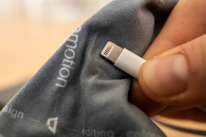Улучшение соединений с помощью чистого кабеля Lightning