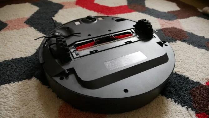 Most Powerful Robot Vacuum Yet, But Is It Good Enough? Roborock E35 Review Roborock Xiaowa E35 Underside View
