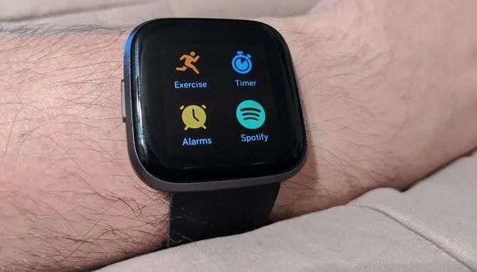 Fitbit Versa Список приложений Spotify