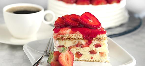 Συνταγές για τα πιο λαχταριστά γλυκά με φράουλες!