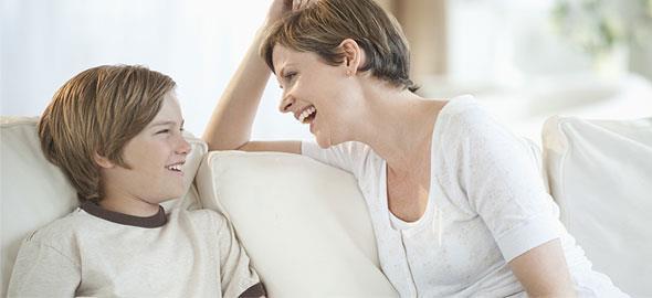 4 ερωτήσεις που θα σας φέρουν πιο κοντά στο παιδί