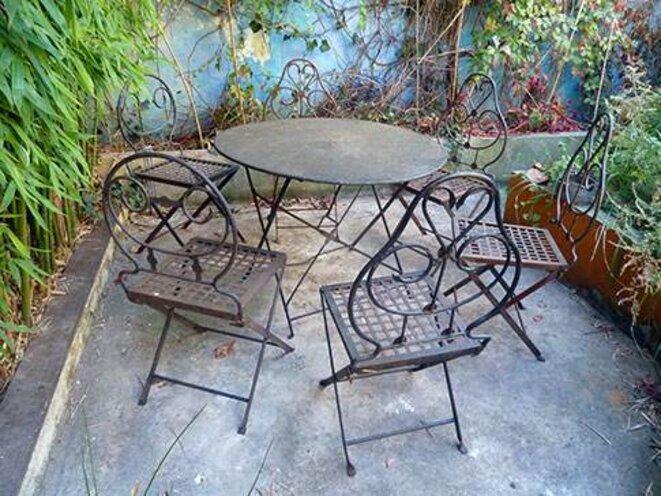 Chaises A Vendre Amazing A Vendre Table Et Chaises Pour
