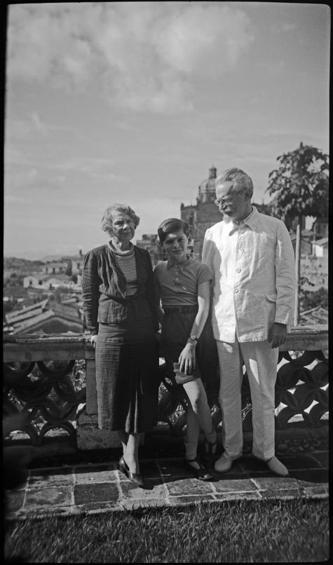 Natalia, Sieva et Trotski à Mexico en 1939