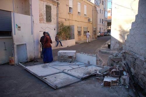 L'entrée de l'espace solidarité, dans le quartier de La Belle de mai, le 1er octobre 2012.