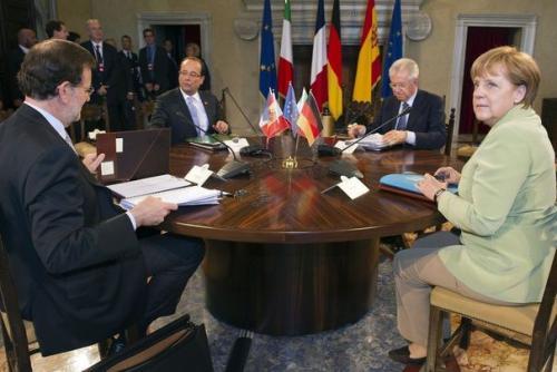 Mariano Rajoy, François Hollande, Mario Monti et Angela Merkel à Rome