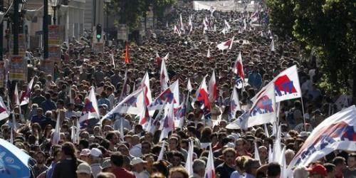 Le 18 octobre dernier, des dizaines de milliers de Grecs ont manifesté à Athènes et Salonique.
