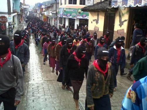Arrivée des Zapatistes dans les rues de San Cristobal de las Casas.