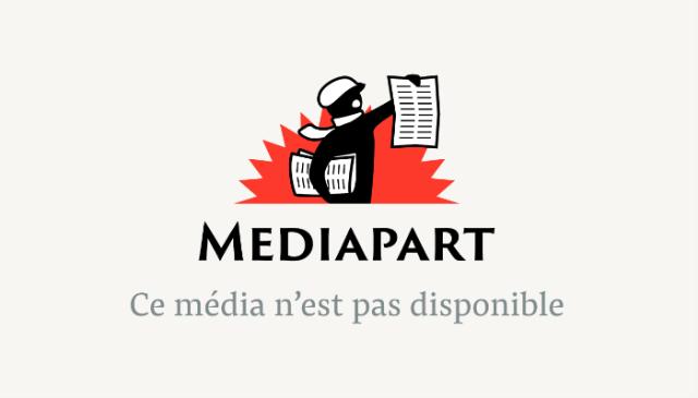 Daniel Dhumeaux (à gauche), en compagnie de la ministre Marisol Touraine lors de la remise de son rapport en mai 2014