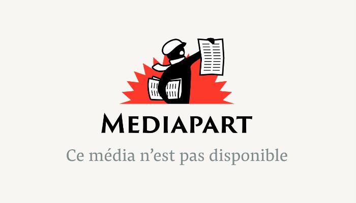 Jean-Luc Mélenchon à la tribune du congrès du PG de Villejuif