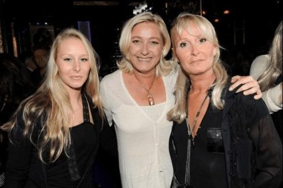 Marion Maréchal-Le Pen, sa tante Marine Le Pen et sa mère Yann Le Pen, en 2012.