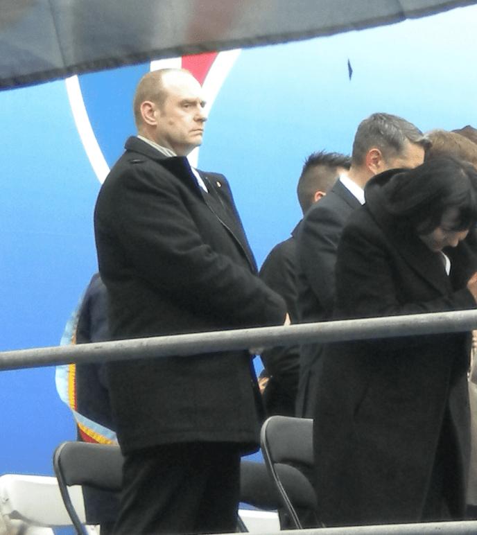 Vincent Gérard présent comme secrétaire départemental sur l'estrade officielle du FN lors du défilé du 1er-Mai, en 2013.