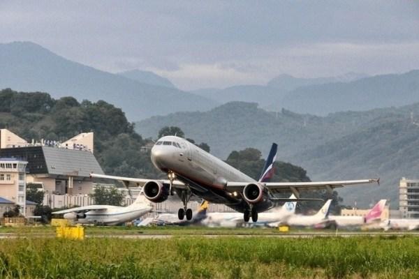 В Сочи из Таиланда прилетел самолет с россиянами на борту ...