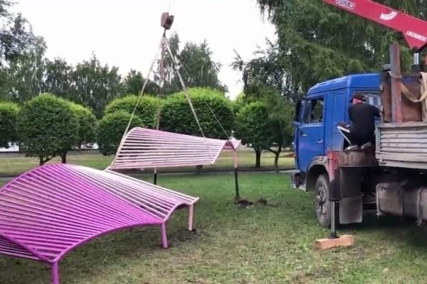 В Екатеринбурге демонтировали арт-объект про протесты из ...