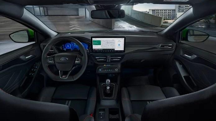 Ford Focus ST 2022 - interior