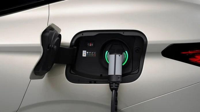 DS 4 E-Tense - charging socket