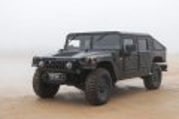 General Motors interested in buying the manufacturer of the military Hummer