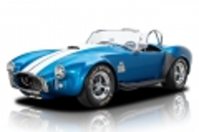 The brutal Cobra 427 now also with 100% electric mechanics