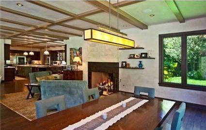 0518britney4 G.I. Joe Director selling Former Britney Spears House (PHOTOS)