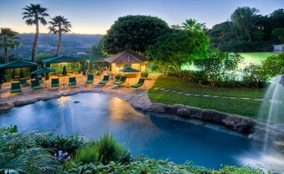 0909oakpass5 Mark Wahlberg Re Lists Beverly Hills Home (PHOTOS)
