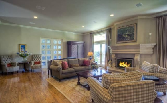 0909oakpass6 Mark Wahlberg Re Lists Beverly Hills Home (PHOTOS)