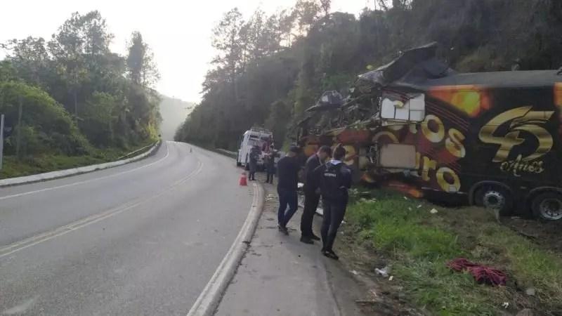 Airton morreu após o veículo tombar na madrugada desta segunda-feira (13) na BR-282, em Águas Mornas, na Grande Florianópolis. Isso aconteceu por volta da 1h40 no km 44. – Foto: PRF/ND