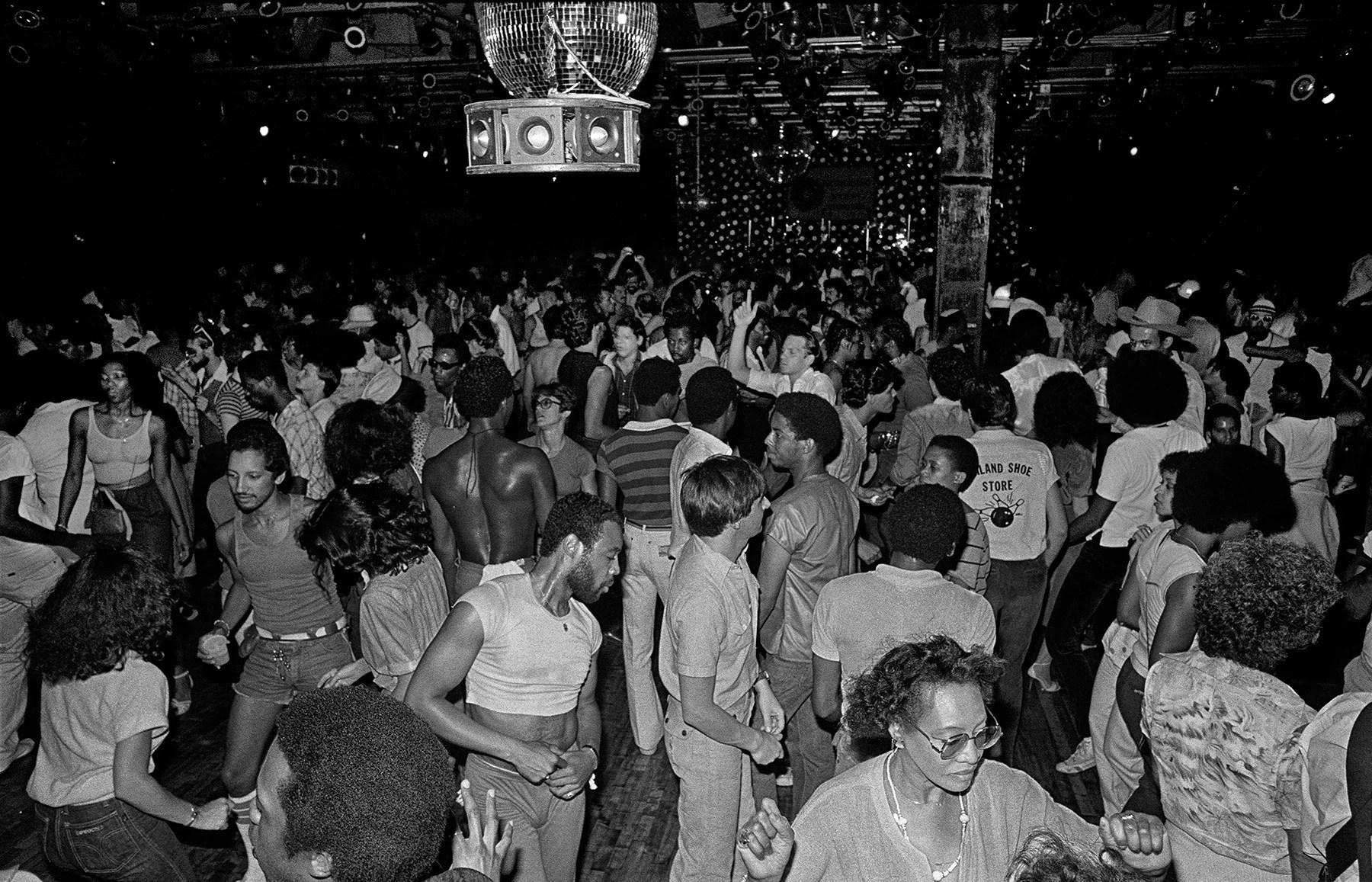 Studio 54 revela fotos nunca antes vistas y NFT Pixel Art del famoso Disco Club