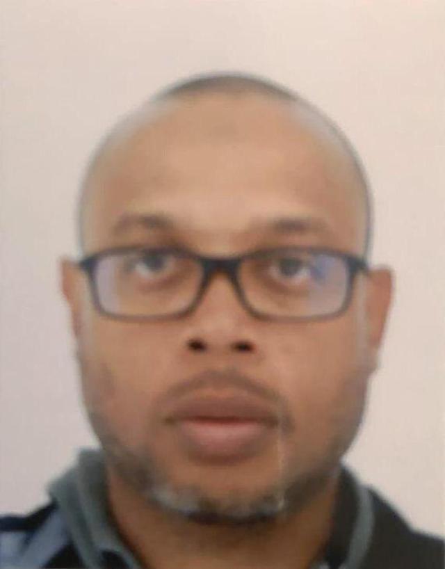 Homem que assassinou 4 policiais em ataque com faca em sede da polícia de Paris é um terrorista muçulmano 22