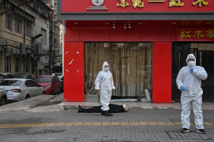 This image says everything about the situation in Wuhan, a city of millions in quarantine by corona