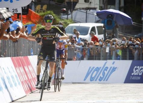 Lucas Hamilton corre para a vitória na quarta etapa Tirreno - Adriatico, Michael Woods continua líder