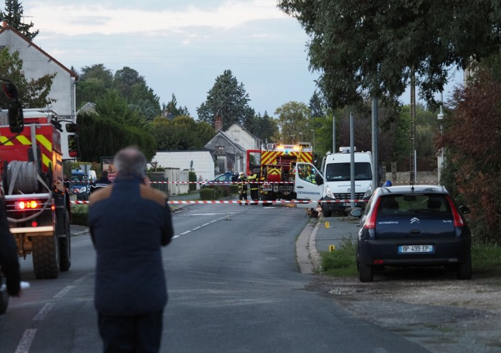 Five dead in a collision between two planes in the center of France