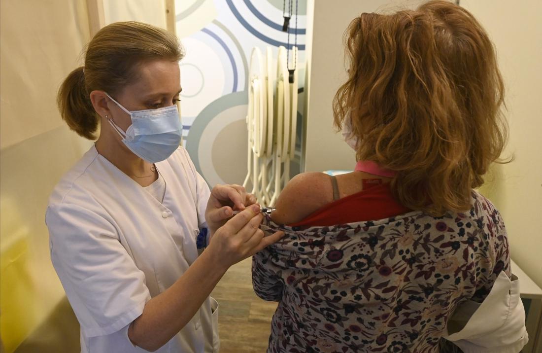Als zelfs de dokter geen spuitje wil: 1 op 3 huisartsen wil zichzelf én patiënten niet vaccineren tegen coronavirus