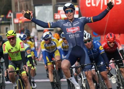 Alpecin-Fenix ??novamente rebatida: Tim Merlier vence o GP Monseré à frente de Mark Cavendish