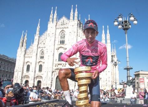 """Egan Bernal eufórico após a vitória do Giro: """"Estou de volta"""""""