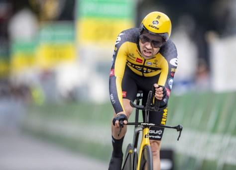 Tom Dumoulin imediatamente campeão holandês de contra-relógio após o retorno, Küng fica em quinto lugar na Suíça
